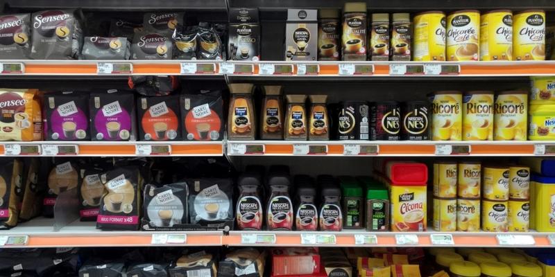 Kaffee und Tee im Supermarkt - Foto: über dts Nachrichtenagentur