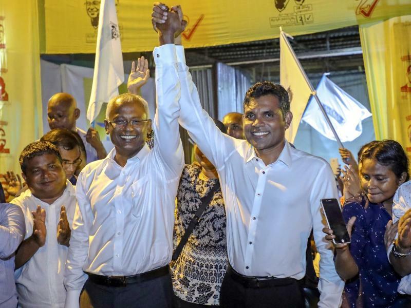 Wahlen auf den Malediven - Foto: Mohamed Sharuhaan/AP