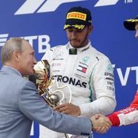 Handshakes - Foto: Sergei Grits/AP