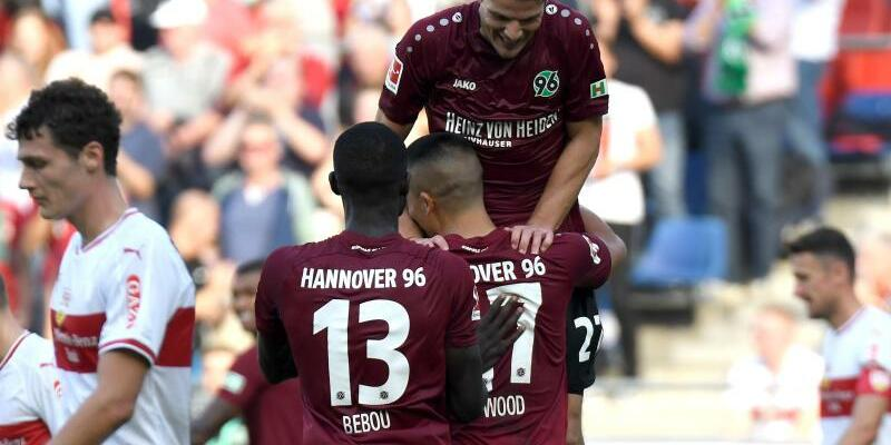Hannover 96 -  VfB Stuttgart - Foto: Peter Steffen