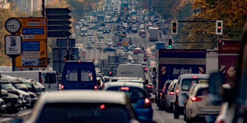 Verkehr in Berlin - Foto: Michael Kappeler