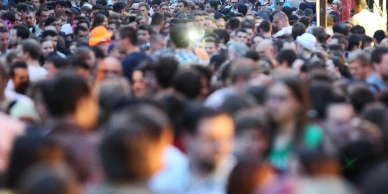 Der Mensch kennt etwa 5000 Gesichter - Foto: Jan Woitas/Archiv