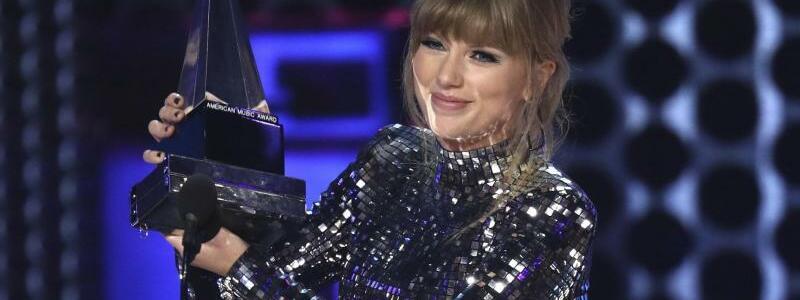 American Music Awards - Taylor Swift - Foto: Matt Sayles
