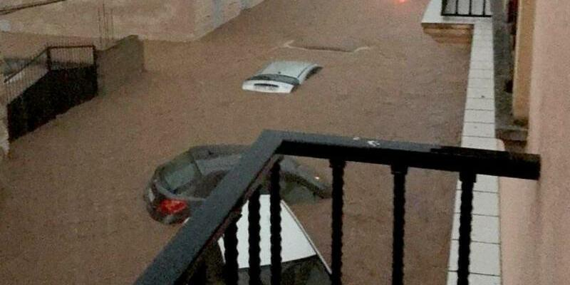 Überflutete Straße in Sant Llorenc - Foto: Policía Nacional/Europa Press