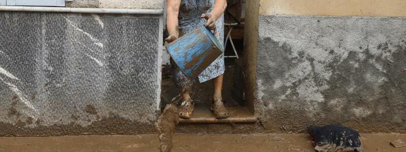Kampf gegen den Schlamm - Foto: Clara Margais