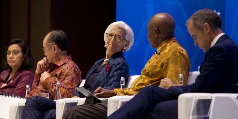 Podiumsdiskussion während IWF-Konferenz - Foto: Firdia Lisnawati/AP