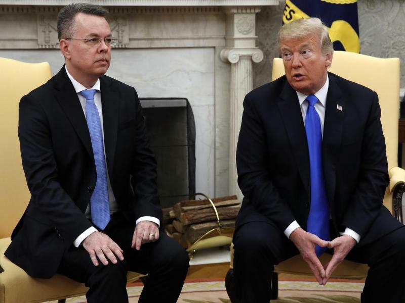 Trump empfängt US-Pastor Brunson - Foto: Jacquelyn Martin/AP