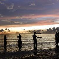 Strand von Tanjung Aru - Foto: Shafiq Hashim