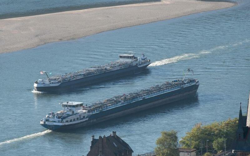 Niedrigwasser am Rhein - Foto: Boris Roessler