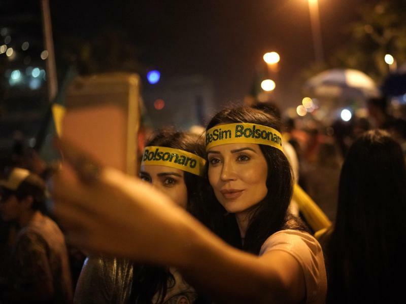 Siegesfeier - Foto: Leo Correa/AP