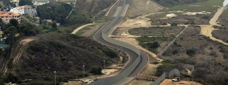 Grenze zwischen Mexiko und Kalifornien - Foto: Mike Nelson/EPA
