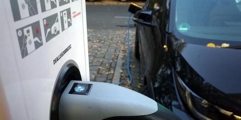 Elektroauto an einer Ladestation - Foto: über dts Nachrichtenagentur