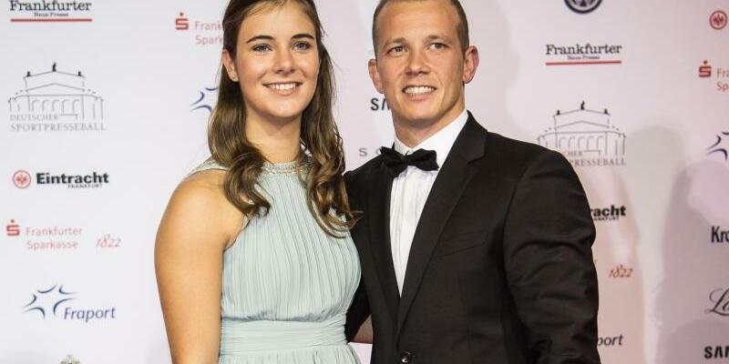 Deutscher SportpresseBall - Foto: Fabian Hambüchen mit seiner Freundin Nina auf dem roten Teppich. Foto:Andreas Arnold