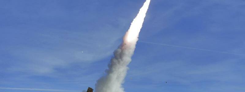 Raketentest im Iran - Foto: Iranisches Verteidigungsministerium
