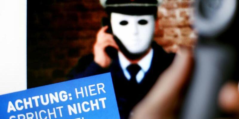 Prozess gegen falsche Polizisten - Foto: Martin Gerten/Illustration