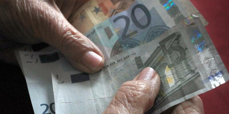 Mehr Geld - Foto: Karl-Josef Hildenbrand