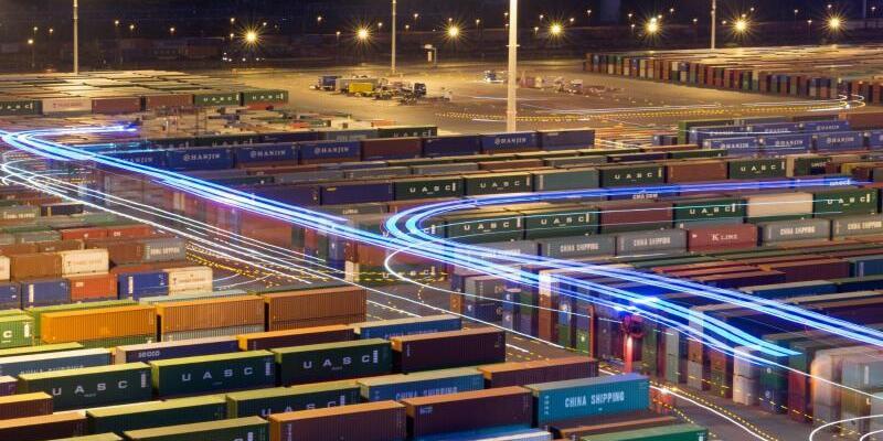 Container im Hafen - Foto: Daniel Reinhardt