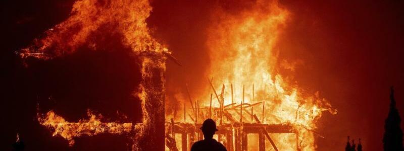Buschfeuer in Nordkalifornien - Foto: Noah Berger/AP