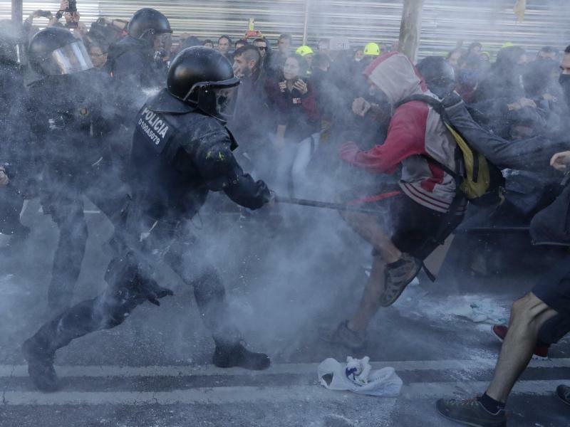 Katalonien-Konflikt - Foto: Manu Fernandez