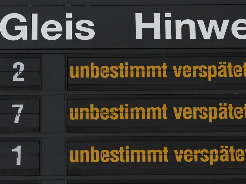 Verspätungen bei der Bahn - Foto: Jens Wolf