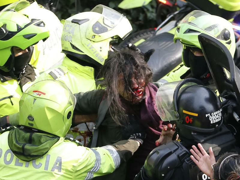 Blutige Studentenproteste - Foto: Fernando Vergara/AP