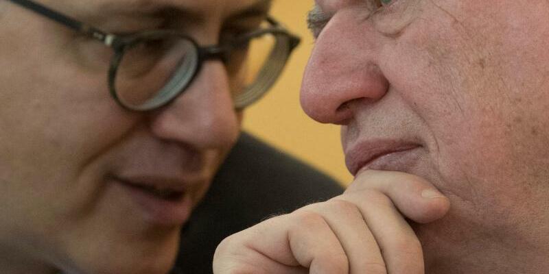 Volker Bouffier und Tarek Al-Wazir - Foto: Boris Roessler