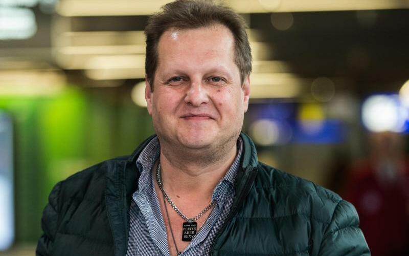 Jens Büchner - Foto: Jens Büchner alias «Malle-Jens» im Frankfurter Flughafen. Der TV-Auswanderer ist im Alter von 49 Jahren gestorben. Foto:Andreas Arnold