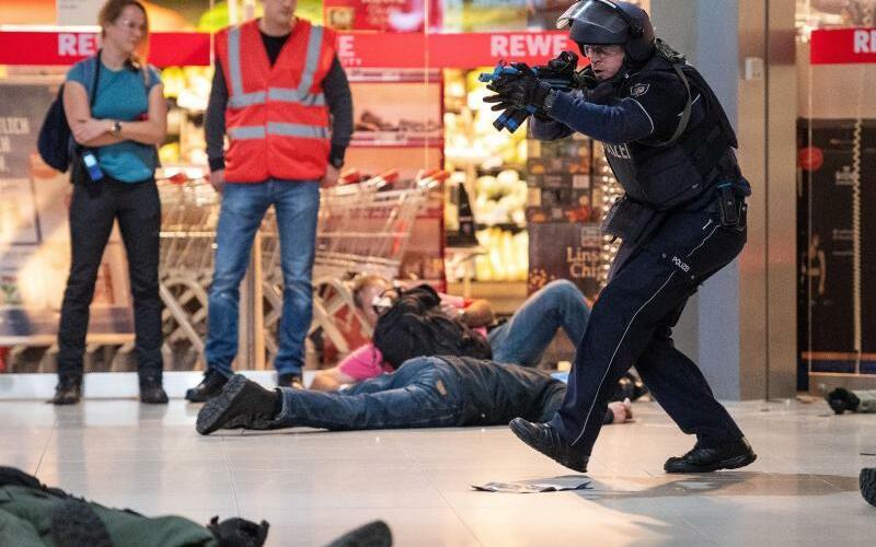 Anti-Terror-Übung - Foto: Marius Becker