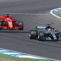 Formel-1-Rennauto von Ferrari und Mercedes - Foto: über dts Nachrichtenagentur