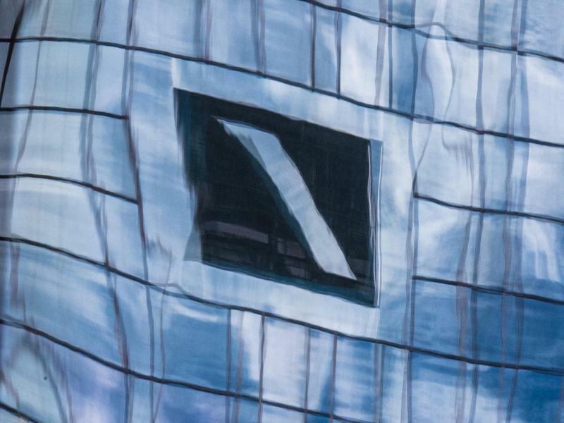Deutsche-Bank-Logo - Foto: Boris Roessler