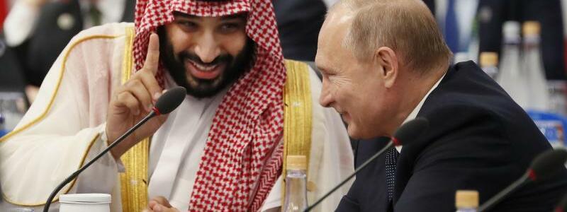 Mohammed bin Salman und Wladimir Putin in Buenos Aires - Foto: kyodo