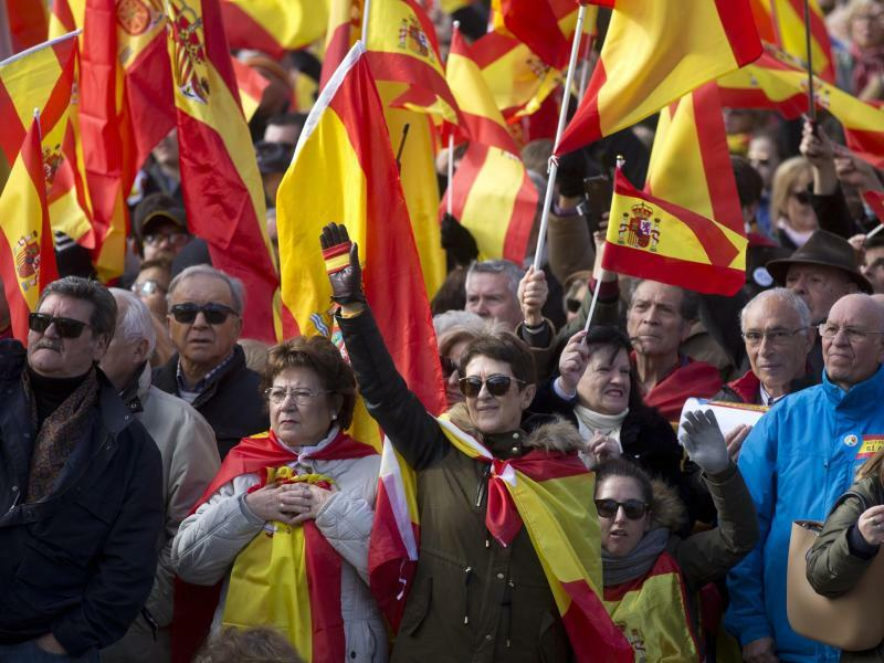 Kundgebung der rechtspopulistischen Partei Vox - Foto: Paul White/AP