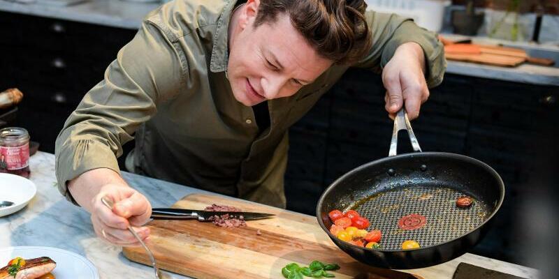 Jamie Oliver - Foto: Axel Heimken/Archiv