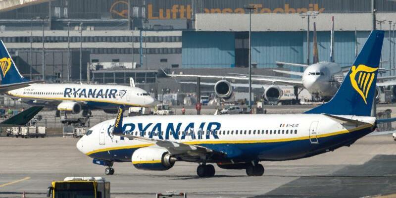 Ryanair-Maschine auf dem Frankfurter Flughafen - Foto: Silas Stein