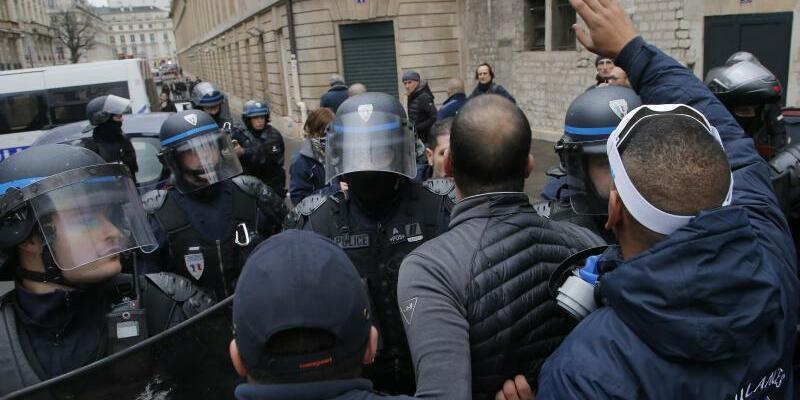 Proteste - Foto: Michel Euler/AP