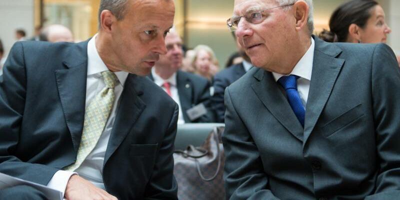 Friedrich Merz und Wolfgang Schäuble - Foto: Bernd Von Jutrczenka/Archiv