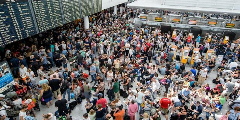 Flughafen - Foto: Matthias Balk
