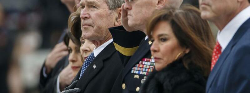 George W. Bush - Foto: Shawn Thew/Pool EPA/AP