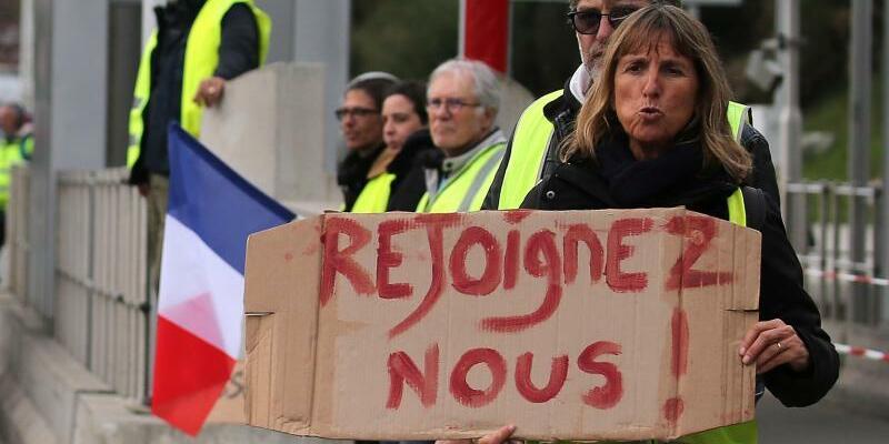 Proteste in Frankreich - Foto: Bob Edme/AP
