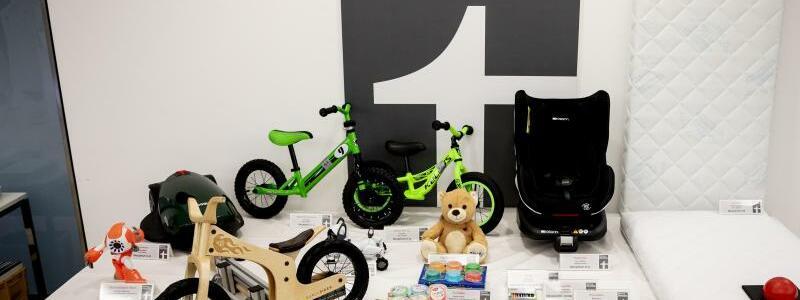 Kinderprodukte - Foto: Kinderprodukte, die bei Tests besonders negativ auffielen, bei einer Pressekonferenz der Stiftung Warentest. Foto:Christoph Soeder