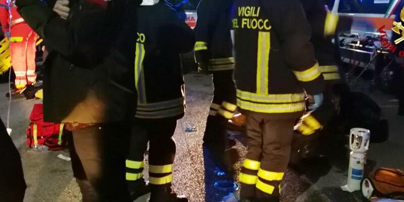 Tote nach Panik in Diskothek - Foto: Vigili del Fuoco