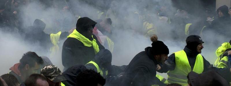 Tränengas - Foto: Rafael Yaghobzadeh/AP