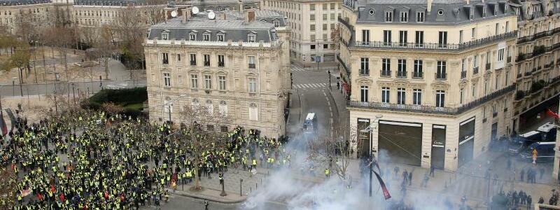 Tränengas - Foto: Michel Euler/AP