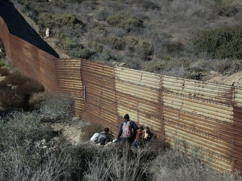 Raus aus Mexiko - Foto: Rebecca Blackwell/AP