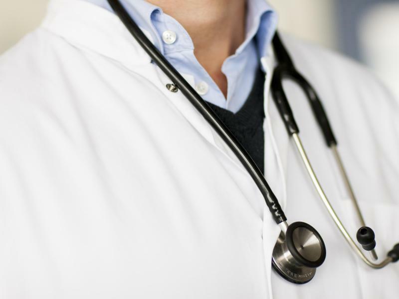 Bundestag berät über schnellere Arzttermine - Foto: Rolf Vennenbernd