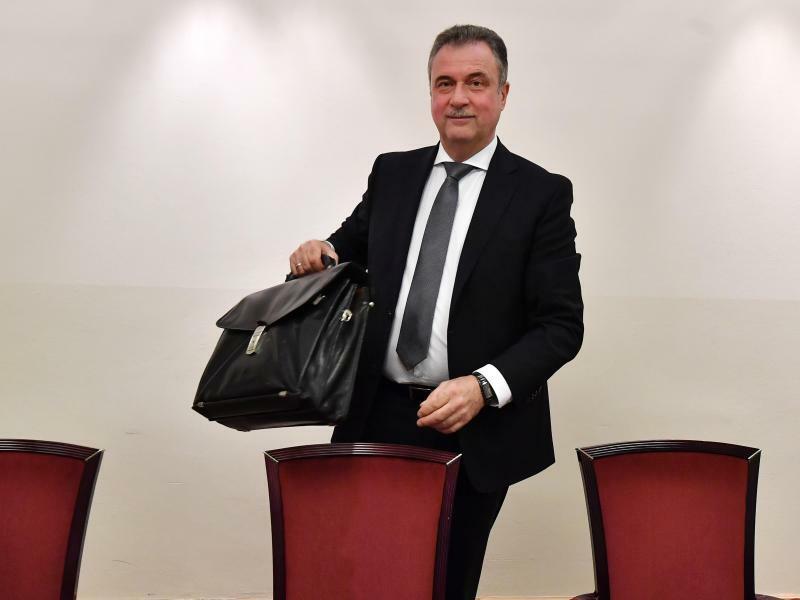 Claus Weselsky - Foto: Claus Weselsky, Chef der Lokführergewerkschaft GDL. Der Tarifkonflikt bei der Bahn schwelt weiter. Foto:Martin Schutt