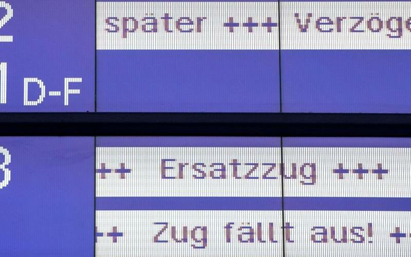 Bahn - Anzeigen - Foto: Daniel Bockwoldt