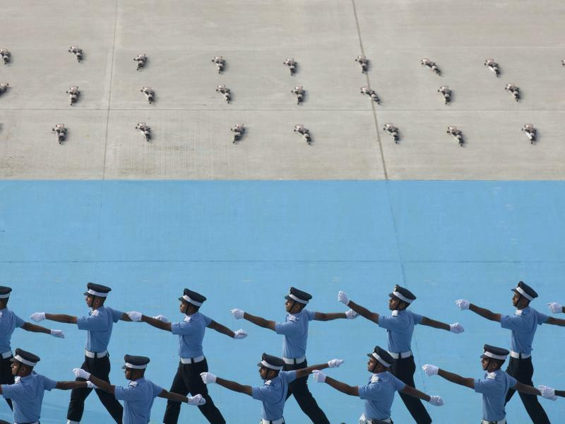 Aufmarsch zum Ende - Foto: Mahesh Kumar A./AP