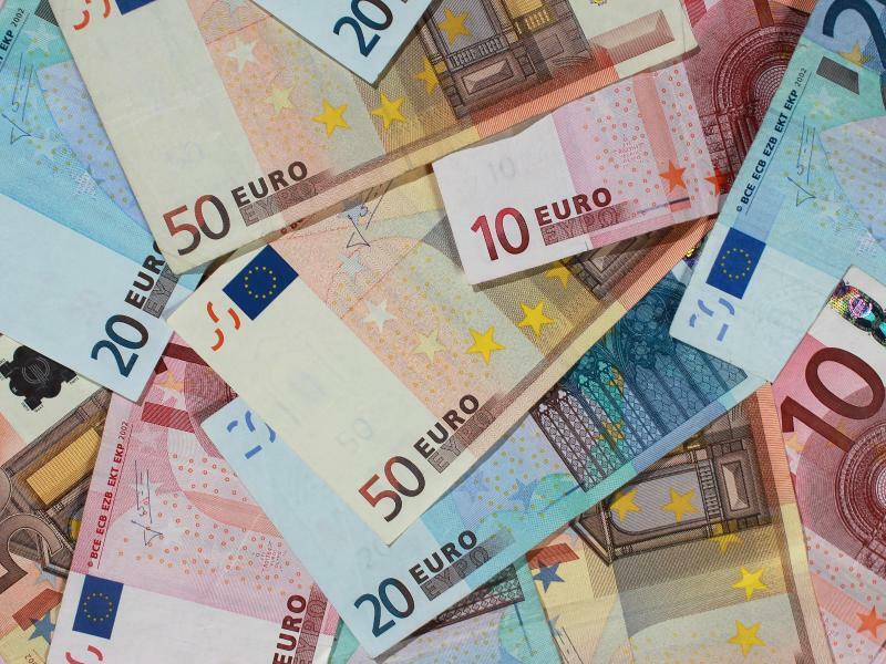 Euroscheine - Foto: Jens Wolf/Illustration