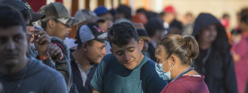 Grenzübergang - Foto: Omar Martinez